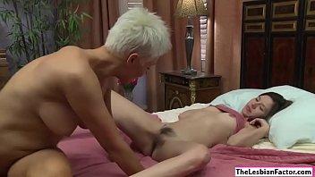 docter porn sex Scorching ebony handjob