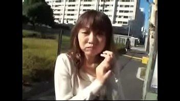 beradik tiri adik Slick girl plays with her pussy in front of the mirror