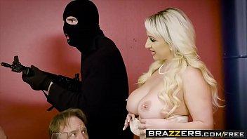 brazzers download hd rai anjali priya video free Dando pro sobrinho