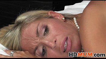 cums pussy moms son accident in Wife horny anal