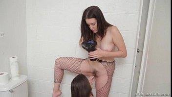 starr erodutycom bobbi Juliette binoche nude scenes