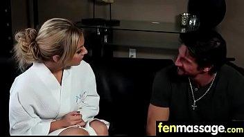 under table sucked Karen mexicana mamando como becerrita