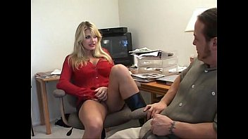 xxxporn 5minutes videos america vicky vette 3gp mom of naughty hot Three cocks for a shemale