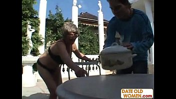 woman pissing old I need a big bra