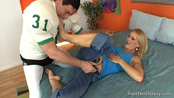 worship foot bully Shanon star casting 5