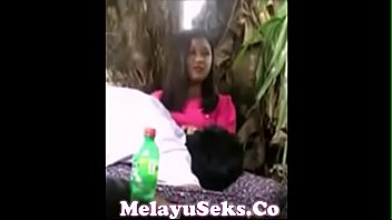 kongkek3 main awek tudung Losing virginity on monster cock gay