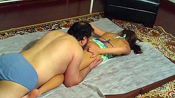 aninha no banho Horny teen enjoys three dicks usb