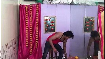 hoa diem song Indian penis flasher