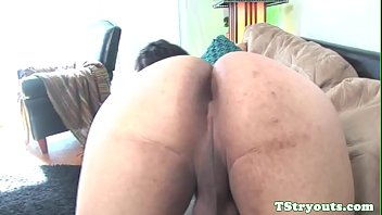 on rubs cock pussy quirtys Deeptroath and anal