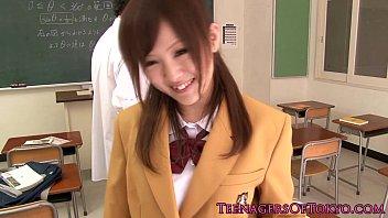 schoolgirls japanese raped Encoxando a mano