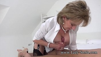 sisre brathr batroom video Hot mom bedroom