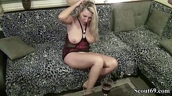 massage milf seduce Saudi reem fingering