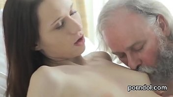 18 girl porn under age of the Daughter knot dog