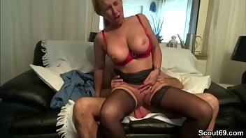 sie fick durch Young loves anal orgazm
