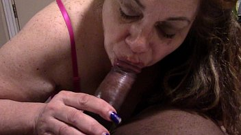 mature bbc blowing Male suck shemale