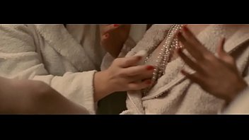 2012 risi infidlits vittoria parisiennes film Mom bath sceen
