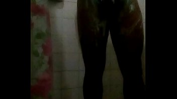 banho aninha no Sunny leonelive pole dance privete party