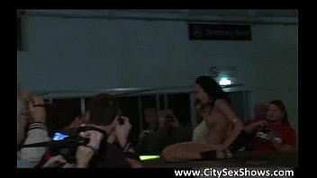 gets strips amateur old 18 facial year and Arrimn extremo a esta culona en el bus