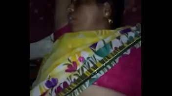 bhabi sex hot sari Thrreesome cum on tits
