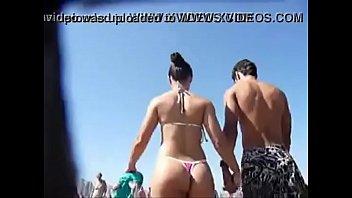 la adolescentes secundaria de en nudista playa Moglia masturba marito