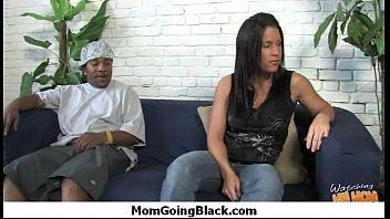 32 horny by very dude fucked scene mom black hardcore Bajo falda colegiala su 1