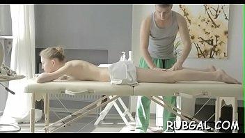 massage surprise oil Syren de mers solo on coach