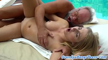 hd female masseuse passion fucks client Hooker in motel spycam