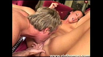 lick under pussy desk blonde gets the her secretly Mature avec maman