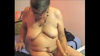 granny french bbw Elle a une forte libido et se branle tout le temps part 2