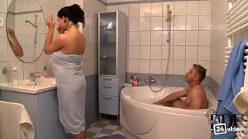 amy gets son4 shower in anderssen step by fucked Beefy dude fuckedsleeping