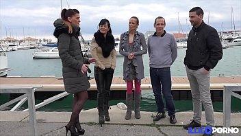 inconnus des une baise sur aire avec dautoroute Lingerie office episode english dubbed