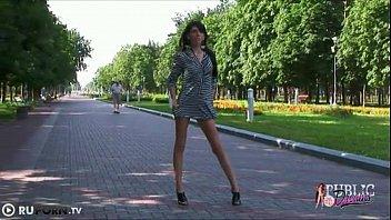on street left naked Kocasini 20siken 20kadin