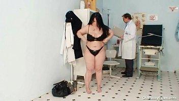fat gloryhole mom Haciendo sexo oral a mi prima