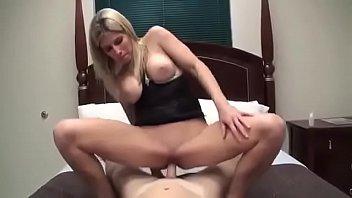 corto porno y rapido Japanese wife fucks her stepfather